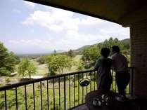 バルコニーから見えるのは雄大な浅間山の風景