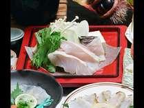 ★本クエの身は白身で鯛や平目などに似ていますが、味、食感ともダントツのうまみを持った高級食材です