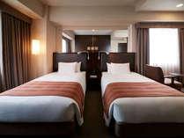 【客室】デラックスツイン・部屋広さ…34㎡・宿泊人数…1~2名・ベッド…120cm