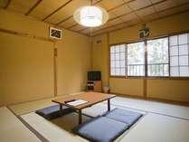 和室のお部屋(3~5人部屋)運が良ければ湖の見えるお部屋になることも♪