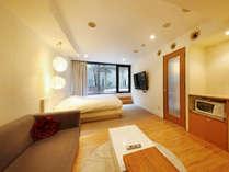 【212号室】37平米露天ジャグジー&ミストサウナ付キングサイズベッドダブルルーム