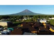 富士山と富士山リゾートログハウスふようの宿