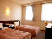 【ツインルーム一例】カップルさんや二人旅に最適★全室高速インターネット無料です!