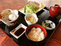 *【朝食例】バランスのとれた朝食で1日をスタート。