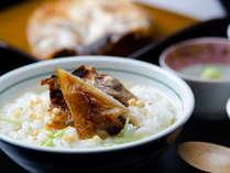 朝食には「のどぐろ」からとった芳醇な出汁を楽しむ「のどぐろ茶漬け」和洋ブッフェをお楽しみください。