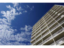 龍神ホテル浮島 青空と雲のコントラストが美しい流れに