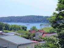◆当館からは、オーシャンビューが楽しめます。海水浴場までは、徒歩約10分とアクセス良好です。