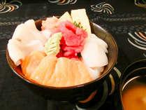 お好きな海鮮をのっけて函館丼に