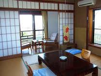 ≪客室例≫お部屋からは奇岩乱礁のほか、お天気の良い日は水平線から昇る日の出が見ることができます。