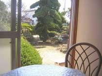 お部屋から見える庭園風景