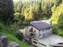 医王山の麓山の谷あいの一軒宿
