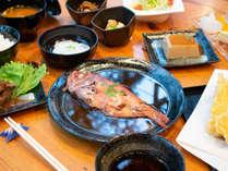 *【夕食/満腹プラン一例】絶対はずせない伊豆名物の「金目鯛の煮付け」
