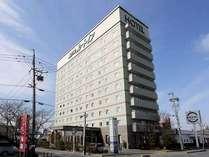 国道42号線沿いに立地。無料駐車場78台。松阪駅から徒歩約7分です。