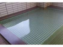 女性展望風呂は浅いスペースもあるのでお子様にも安心