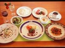 料理例、自家製ハーブを使ったフルコース料理
