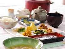 ■朝食例■もちもちしていて炊き立てが美味なヒトメボレは、農家直売所から仕入たお野菜と共に♪