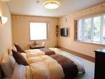 メゾネットタイプのお部屋の寝室です。全面畳の簡易和室でごろごろと寝そべってみませんか?