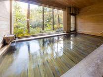 【温泉】檜風呂 景観と香りが魅力
