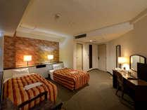 *ツインルーム一例充分な広さがあり明るい雰囲気のお部屋です。