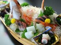 夕食-白海老を盛り込んだ舟盛り