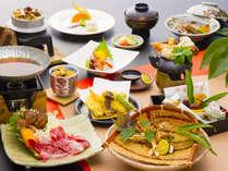 「松茸会席」秋ならではの食の王様、香り高き松茸をふんだんに盛り込んでおります。