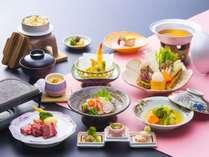 お料理コースはリーズナブルなお手軽会席コース「彩り会席」をご用意いたします。