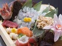 ドドーンっと刺盛!富山湾のお刺身をたっぷりどうぞ。