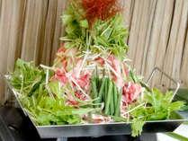 ■ボルケーノ鍋(一例)■3種のお肉を堪能!ハワイの火山をイメージしたボリューム満点のお鍋♪