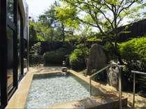 女性露天風呂 自然に囲まれた自慢の露天風呂