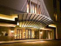 生まれ変わったオークラ千葉ホテルのエントランス
