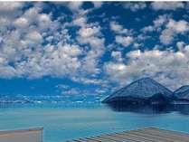 【眺望】最上階から望む洞爺湖。晴れた日には羊蹄山も見ることができる