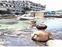 玖珠川の河川敷にある混浴露天風呂「河鹿の湯」