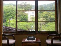 当館は城崎ロープーウェイの正面。窓から行き交うロープーウェイが見られます。★純和風★ 和室7.5~10畳