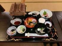10名様~OK 地元割烹料理処 「魚隆」が作る少し豪華な和食会席&プラネタ入館割引券付