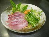 【夕食一例】寒ブリのお刺身。冬季ならではの氷見の味覚!