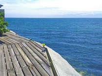 ロビーからは息を飲むほどの壮大な海の絶景が広がります。5頃には蜃気楼が見える事も☆