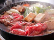 厳選した国産黒毛和牛の霜降り肉を甘く香る割り下で愉しむすき焼き懐石プランです。(料理イメージ)