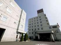 東名吉田インターより車で約1分。総客室数120室。フロントは24時間対応。門限はございません。