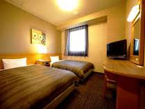 【本館ツインルーム】全室WOWOW視聴可能。Wi-Fi・LAN・加湿空気清浄機・消臭剤・ルームシアター 全室完備