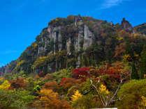 【特典付★お得な秋旅】紅葉の名所「深耶馬溪」で美しく染まる渓谷を散策♪露天風呂と本格フレンチも堪能!