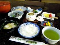 ■朝食一例■福井県産こしひかりとその日仕入れたお野菜・お魚を使った和定食をご用意致します。