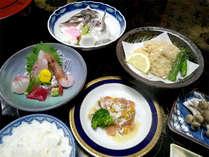 ■夕食一例■旬の新鮮な海の幸や地元の食材を使用♪選びぬかれた海の幸を中心とした自慢のお食事です!