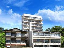 *日本海に臨む当館外観