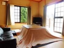 1Fこたつとソファー付きの和室