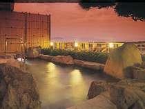 海を眺める絶景の露天風呂 夕暮れ時も美しい,和歌山県,豪快!活魚料理 高よしパークホテル