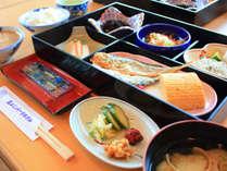 *【ご朝食】起きたての身体にも優しい和朝食です,和歌山県,豪快!活魚料理 高よしパークホテル