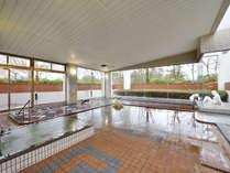 *【ポルダー潟の湯】大きな浴槽でゆったりと湯浴みをお楽しみいただけます。