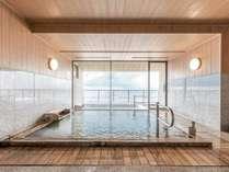 女性浴場「花のゆ」湯量豊富な天然温泉は、こんこんと湧き出る自家源泉。