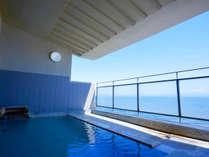 ■よく晴れた日の目の前に広がる津軽海峡は疲れた体も癒してくれる絶景です。※大浴場露天風呂