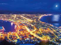 ■函館山夜景イメージは夕暮れから夜にかけてがおすすめ